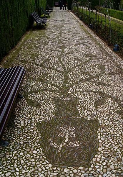 استفاده از بتن منقش یا دکوراتیو در زمان استفاده از سنگ فرش چه مزایایی به همراه دارد؟