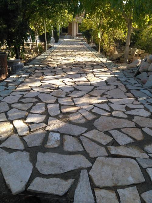 در قرن نوزدهم از چه نوع سنگ های برای پوشش دادن خیابان ها و معابر استفاده می کردند؟